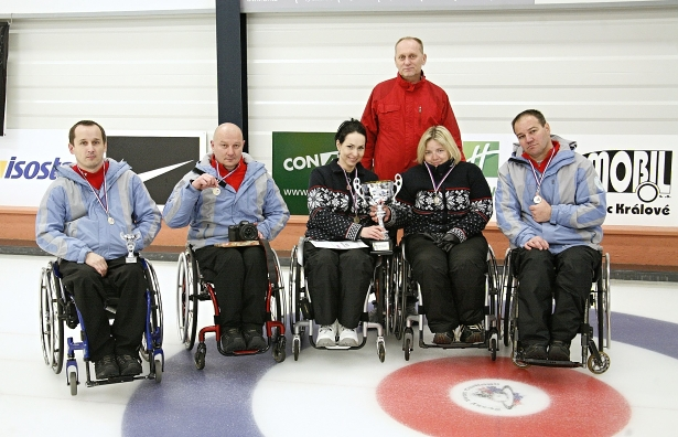 Úspešné zakončenie zimnej curlingovej sezóny